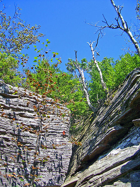 Devil's_Path_cleft_on_Twin